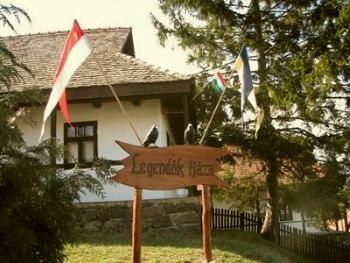 Hollókő nevezetességei Legendák háza